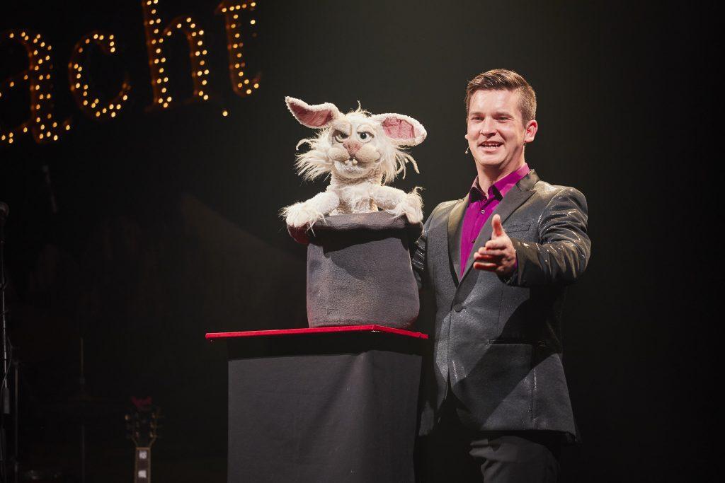 Bauchredner Tim Becker im Casinotheater Winterthur Schweiz mit seiner Comedy Show